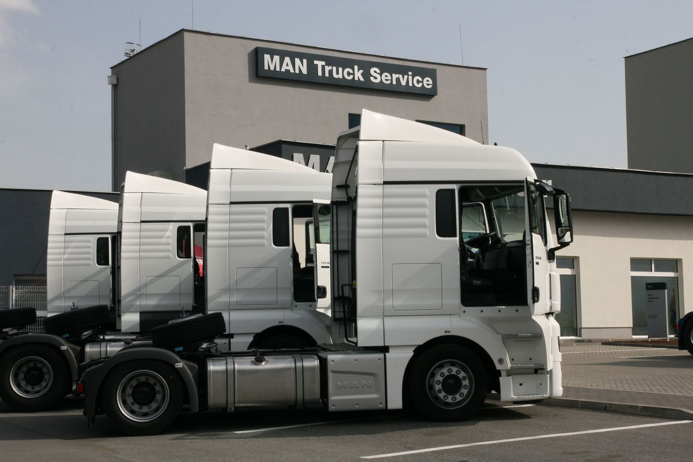 MAN / DAF TRACK CENTER